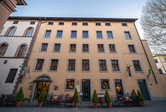 lucca wheelchair accessible hotel