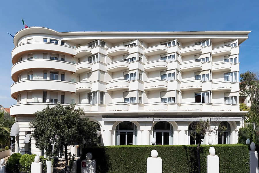 Juan-Les Pins Wheelchair French Riviera Accessible Hotel